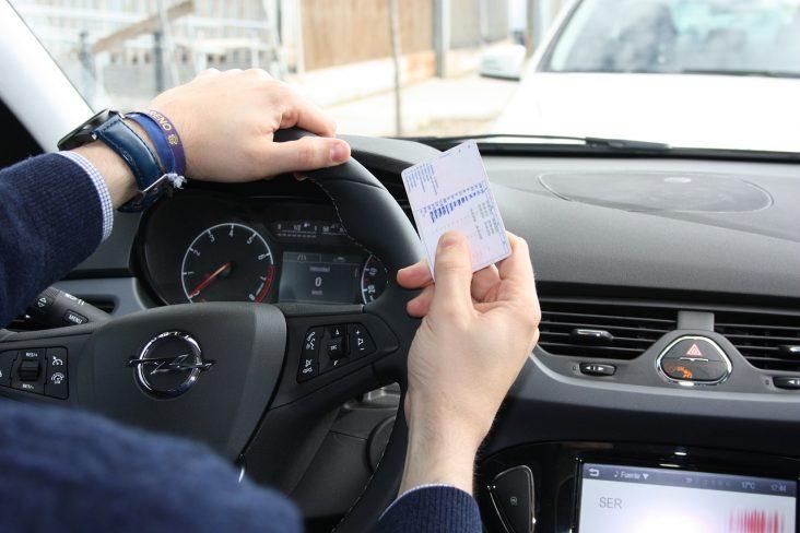 renovar carné de conducir en Rivas